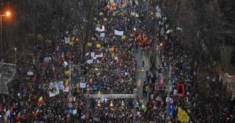 s560x316_Proteste_Bucuresti