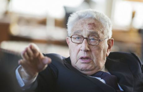 o-henry-kissinger-facebook-465x390